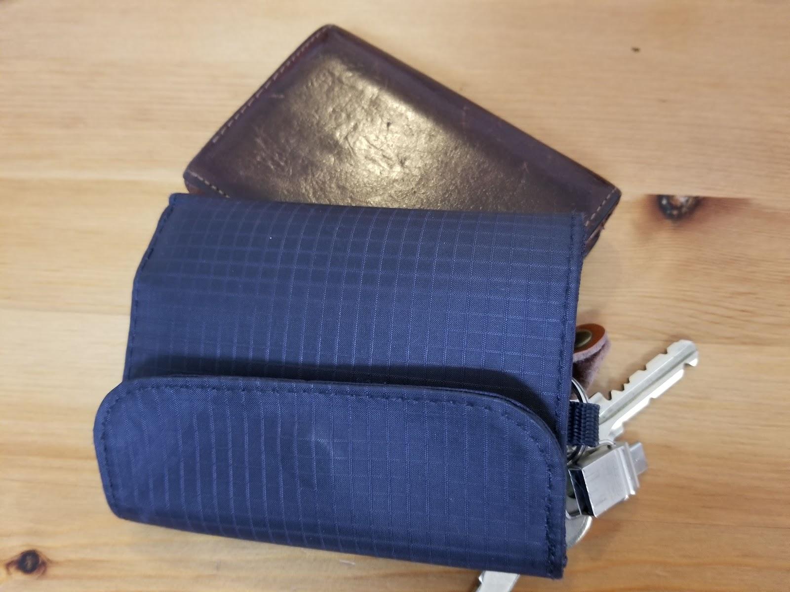 スマホケースと財布